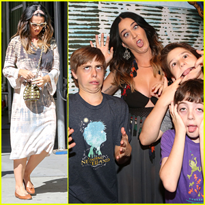 Katy perry makes funny faces with finding neverland cast in new katy perry makes funny faces with finding neverland cast in new york city m4hsunfo