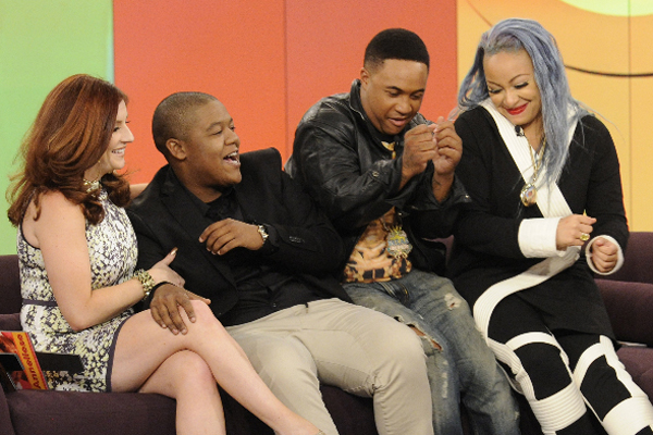 Raven Symone Reunites With 'That's So Raven' Cast on 'The ...