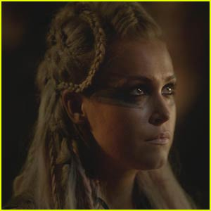 Clarke is Getting a Whole New Look on 'The 100' - See it Here!