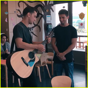 Jake Miller Sings To Patients At Mattel Children's Hospital UCLA - Watch Now!