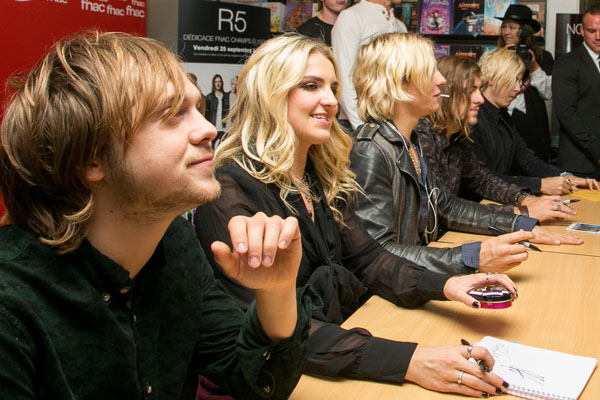 r5 rocks meet and greet pictures with chris