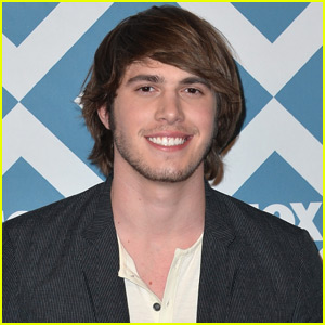 Blake Jenner Joins Hailee Steinfeld in 'Besties'