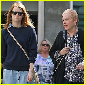 Emma Stone Spends Sunday with Her Mom Krista!