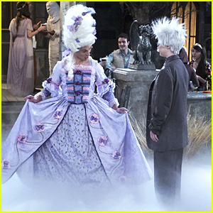 Logan Dresses Up As Marie Antoinette For The Central Park Spooktacular On 'I Didn't Do It'