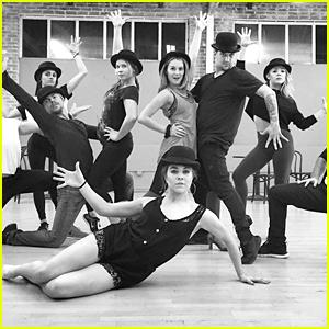 Bindi Irwin & Alexa PenaVega Tease Their 'Chicago' Duet Dance For DWTS