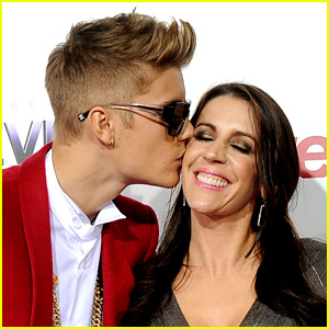 Justin Bieber Talks 'Nonexisting' Relationship with His Mom