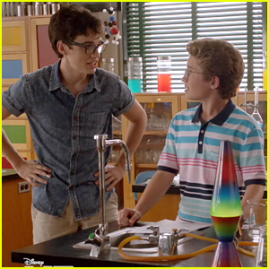 Joey Bragg Has A Dilemma In Exclusive 'Mark & Russell's Wild Ride' Clip - Watch Now!