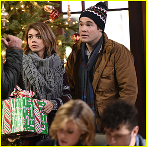 Modern Family Christmas Episodes.Andy Gets Invited To Family Christmas With Haley On Modern