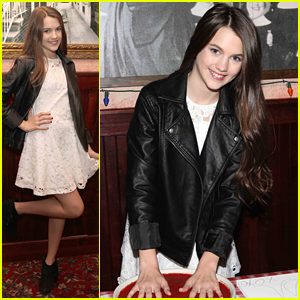 'Jessica Darling's It List's Chloe East Gets Her Hands Messy at Buca di Beppo