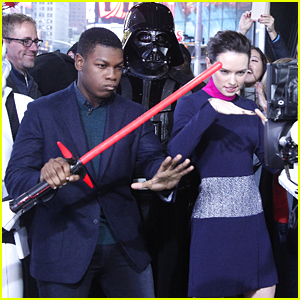 How Did Daisy Ridley & John Boyega React To Seeing 'Star Wars The Force Awakens'? Find Out Here!