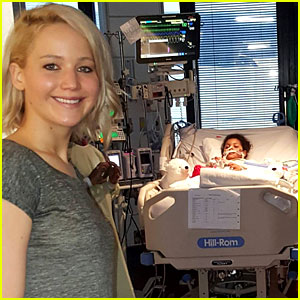 Jennifer Lawrence Makes Her Annual Visit to Kosair Children's Hospital