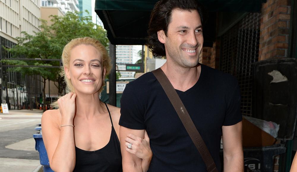 Maksim Chmerkovskiy Spotted Getting Cozy With Meryl Davis: Maksim Chmerkovskiy Makes Coffee Run With Meryl Davis