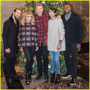 Pentatonix's 'Dance Of Sugar Plum Fairy' Lights Up The Empire State Building - Watch Now!