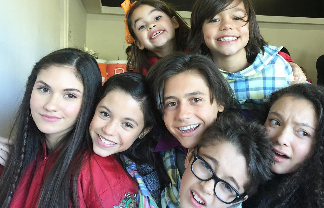 jenna ortega stuck in the middle cast share cute instagrams see them all ariana greenblatt casting isaak presley jenna ortega kayla maisonet - A Christmas Blessing Cast