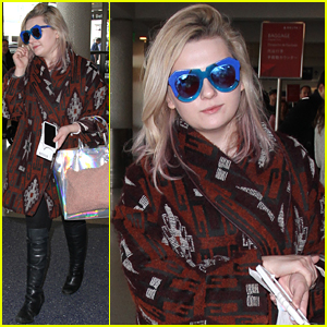 Abigail Breslin Heads Back To NYC While Winter Storm Jonas Is Brewing