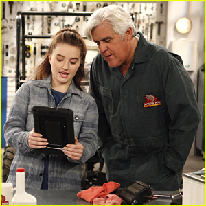 Kaitlyn Dever Bonds With Jay Leno on Tonight's 'Last Man Standing'
