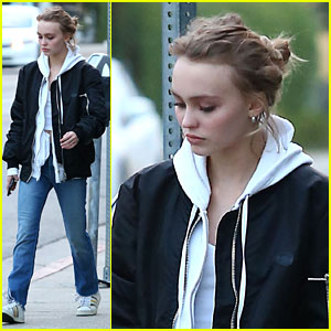 Lily-Rose Depp & Mom Vanessa Paradis Go Shopping for Shoes