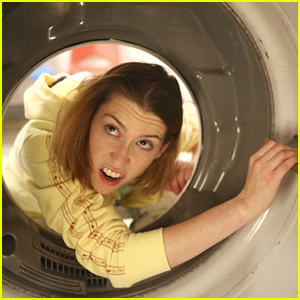 Sue Loses A Sock & Is On A Mission To Find It On Tonight's 'The Middle'