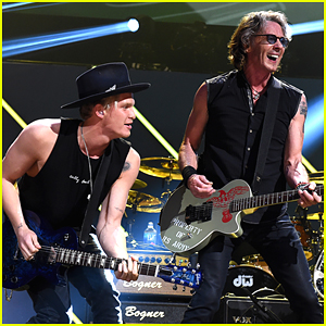Cody Simpson Plays 'Jessie's Girl' With Rick Springfield at iHeart 80s Party (Pics)