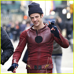 Grant Gustin Shares Photos From Set of 'Flash' & 'Supergirl' Crossover