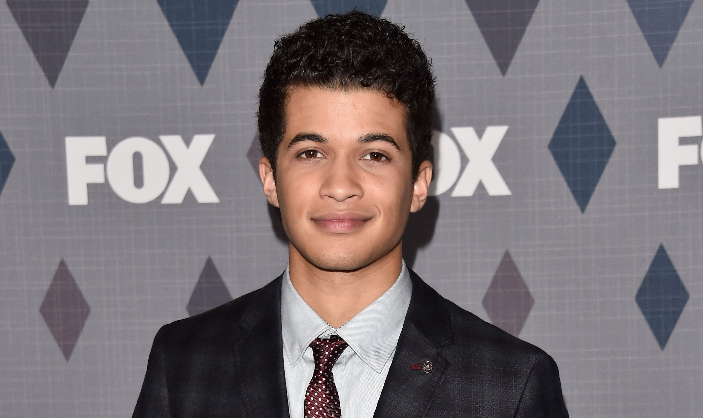 meet fisher singles Singles follows the tumultuous relationship between  (kyra sedgwick), a pair who meet at an alice in chains  jerry ziesmer as councilman jordan fisher.