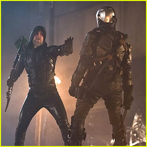What Happens To Oliver Queen In The Future? Find Out On 'Legends of Tomorrow' Tonight!