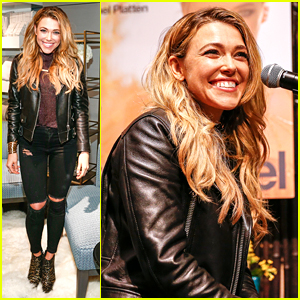 Rachel Platten Performs Acoustic Set at Crate & Barrel