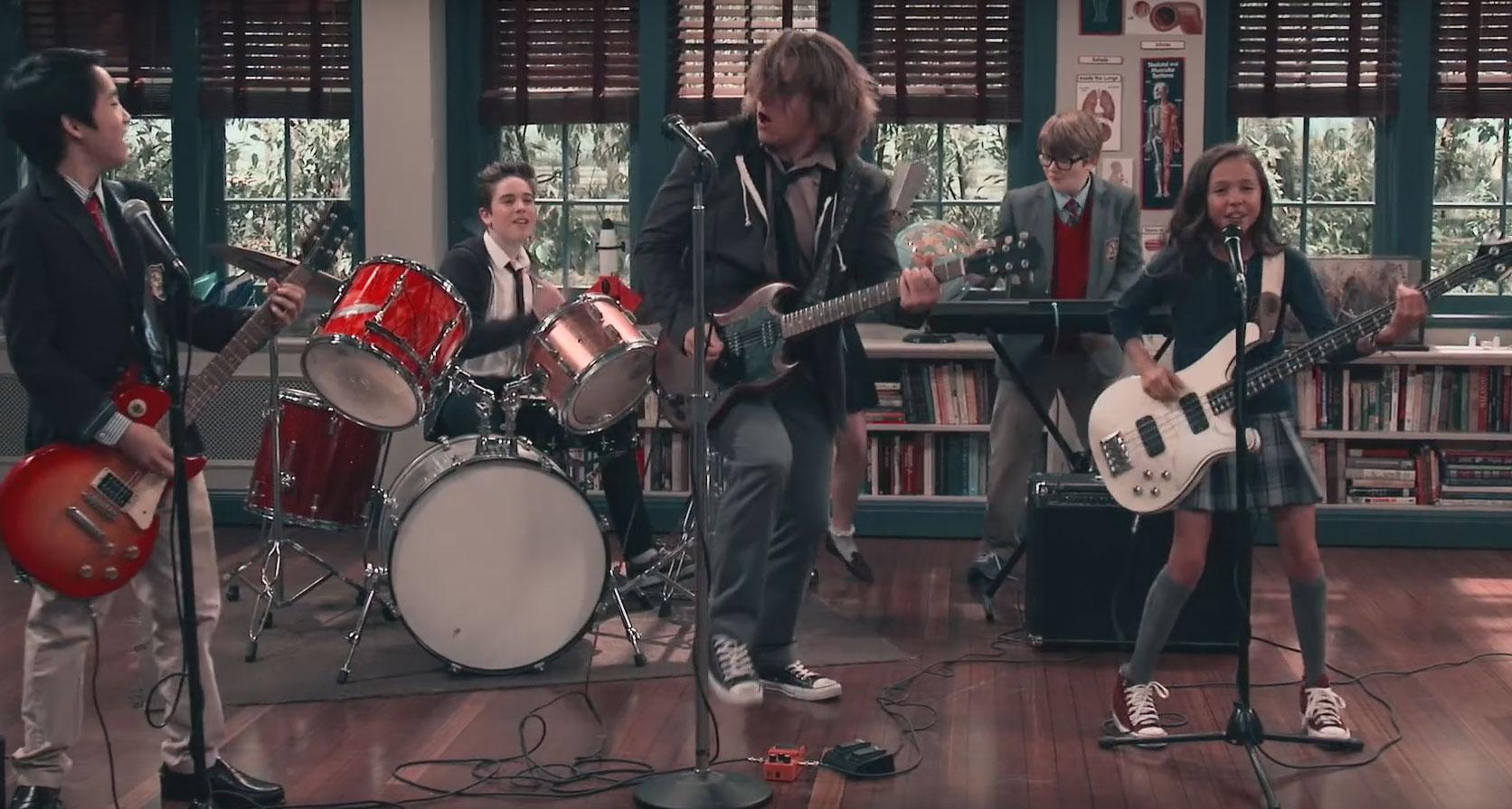 School Of Rock Tv Show Songs : nickelodeon drops first two school of rock music videos watch them here school of rock ~ Russianpoet.info Haus und Dekorationen