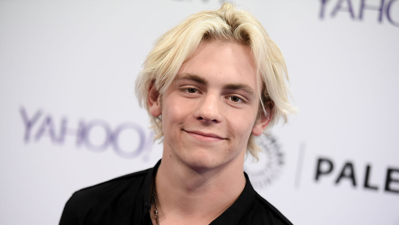 Ross Lynch Dishes On Snow Forts, Snowball Fights ...