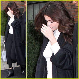 Selena Gomez Takes a Stylish Step Out of Her New York Hotel