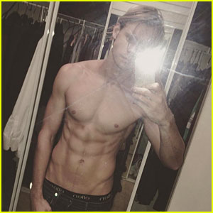 Chord Overstreet's New Shirtless Selfie is Hot Hot Hot!