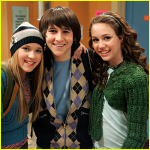 Miley Cyrus & Emily Osment Reflect On 10th Anniversary of 'Hannah Montana'