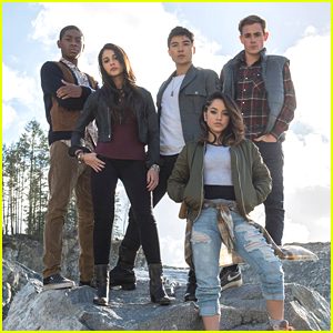 See Becky G & 'Power Rangers' Cast In First Official Photo!