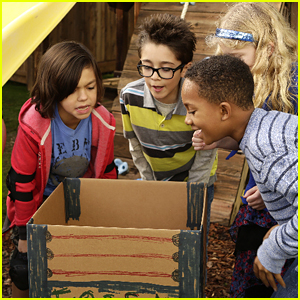 Beast, Lewie & Harley Find Ways To Replace The Family Tablet on 'Stuck In The Middle' Tonight