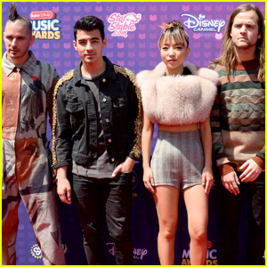 DNCE Hit the Carpet Before Their Performance at the RDMA 2016