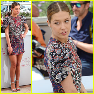 Adele Exarchopoulos Stuns With Her Smile at 'The Last Face' Photocall in Cannes