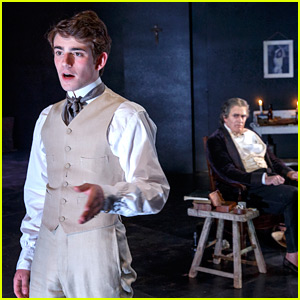 Charlie Rowe Makes His Off-Broadway Debut - See Photos!
