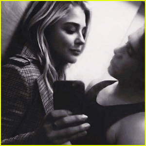 Brooklyn Beckham & Chloe Moretz Take a Cute Selfie!