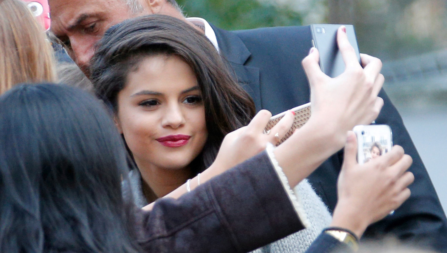 Selena Gomez Does Surprise Meet Greets At Every Revival Show