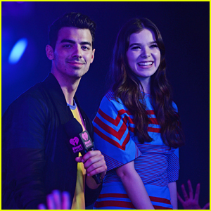 Hailee Steinfeld & Joe Jonas Sing 'Rock Bottom' at iHeartRadio Pool Party