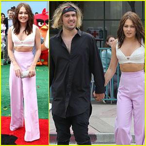 Kelli Berglund Holds Hands With Tyler Wilson At 'Angry Birds' Premiere