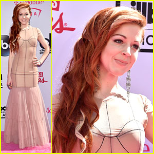 Lindsey Stirling Hits Red Carpet Ahead of Celine Dion Performance at BBMAs 2016