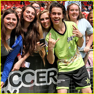 Nash grier photos news and videos just jared jr page 5 nash grier gets kisses from fans after playing in celeb soccer game m4hsunfo
