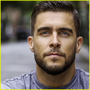 Josh Segarra Joins 'Arrow' as District Attorney Adrian Chase