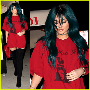 Kylie Jenner Throws it Back With Teal Hair Hue