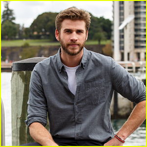 Liam Hemsworth Supports Young Aussie Skateboarding Star