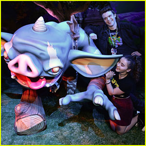 Peyton Clark & Sarah Carpenter Hit the Nintendo Booth at E3 Gaming Convention