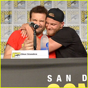Fans Signed Alexander Ludwig's Flip Flop After Clive Standen Tossed It at Comic-Con!