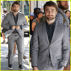 Daniel Radcliffe Tries to Bore the Press Into Not Caring About His Private Life