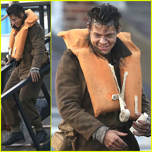 Harry Styles Chills With Cillian Murphy on 'Dunkirk' Set